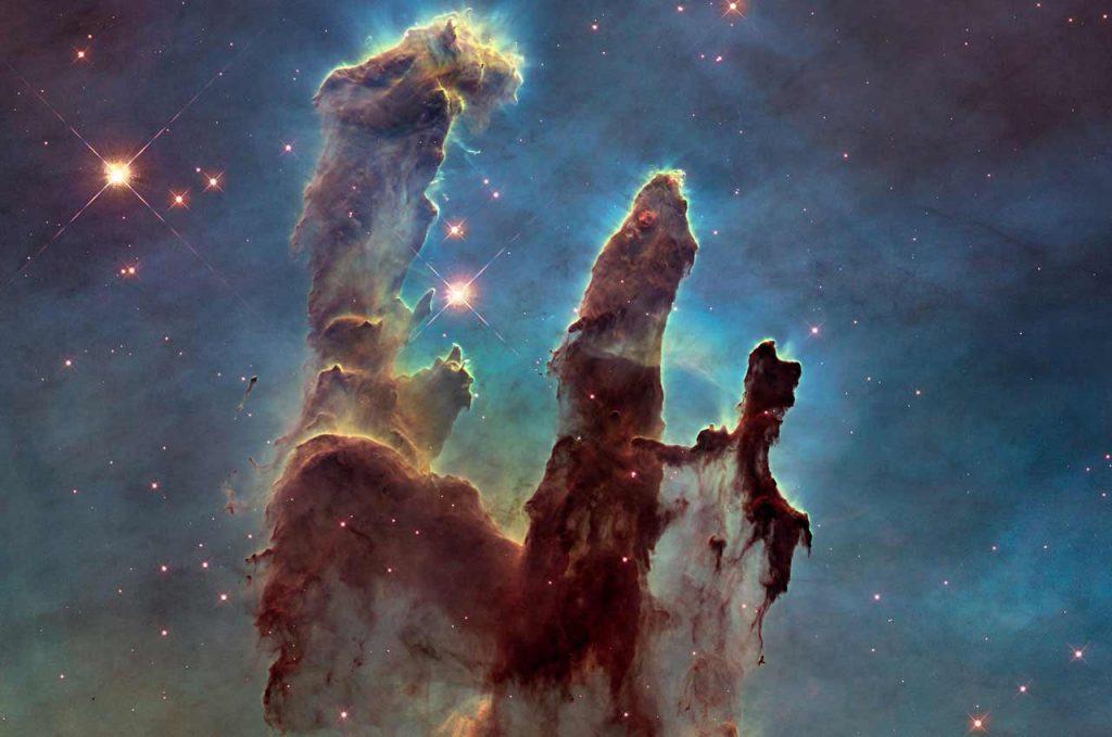 Les piliers de la création photographiés par Hubble. Ils sont une bonne métaphore des fondements que confère la phase d'idéation dans la conception d'une expérience utilisateur par un Ux designer Marseille
