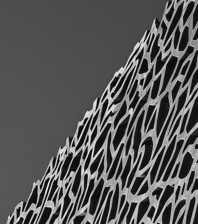 L'agence Bolectif prestataire de photos et vidéos Packshot ou architecturale à Marseille.